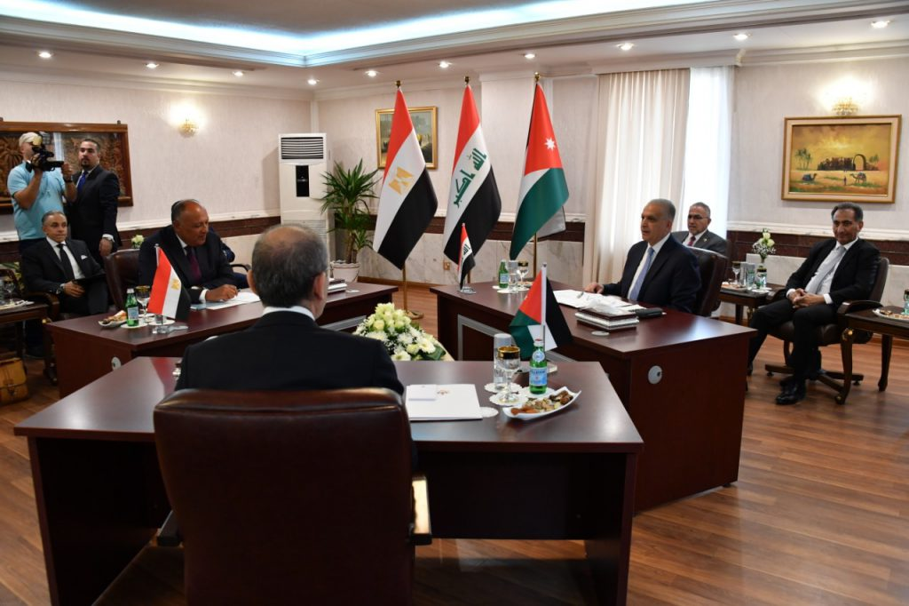 Foreign Ministers of Iraq, Jordan and Egypt Hold Important Meeting
