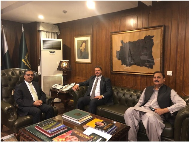 The interim Iraqi charge d'affaires in Islamabad meets the Pakistani Foreign Secretary 1-2