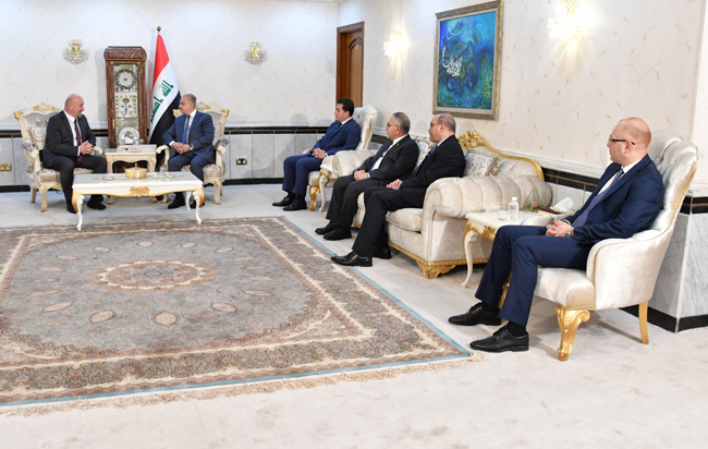 Minister of Foreign Affairs receives a copy of the credentials of Mr. Matuziko as Non-Resident Ambassador of Bosnia and Herzegovina to Baghdad E9088CE6-D888-4EA3-A7DD-05C59E5939C3