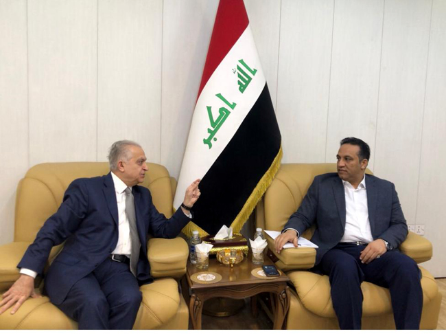 Deputy Speaker of Parliament discusses with the Minister of Foreign Affairs the joint cooperation between the legislative and executive branches and enabling Iraq to restore its leadership role WhatsApp-Image-2019-12-25-at-12.51.16-PM