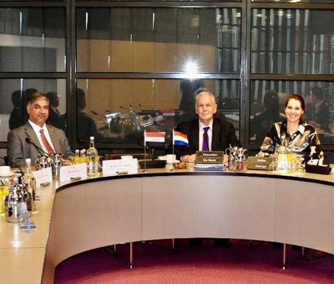 The Ambassador of the Republic of Iraq in The Hague meets members of the Foreign Relations Committee at the Dutch Parliament Building IMG_2667