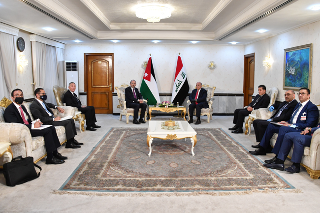 Foreign Minister Fouad Hussein meets his Jordanian counterpart in Baghdad 1-12