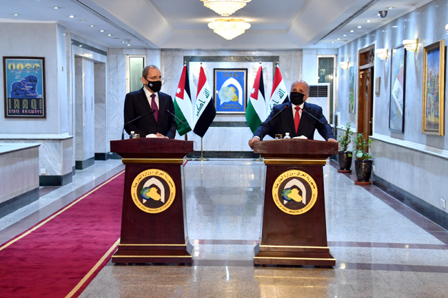 Foreign Minister Fouad Hussein meets his Jordanian counterpart in Baghdad 10-1