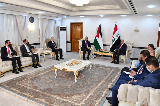 Foreign Minister Fouad Hussein meets his Jordanian counterpart in Baghdad 2-5
