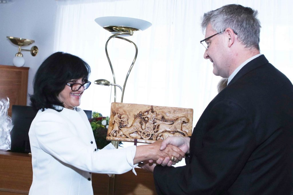 The Ambassador of the Republic of Iraq in Prague meets the Chairman of the Iraqi-Czech Parliamentary Friendship Committee 4E23B8DE-2D9F-4041-997D-C8566E2B8A08-2048x1365-1-1024x683