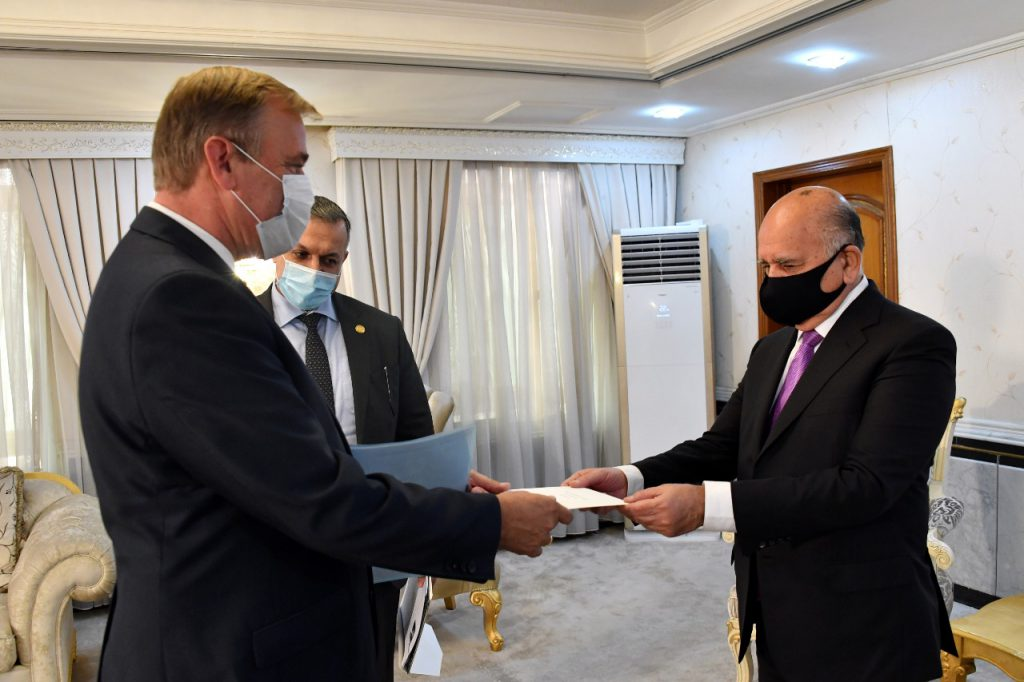 The Minister of Foreign Affairs receives a copy of the credentials of the Dutch ambassador to Baghdad 91143C0B-86B4-41D7-B07E-30498B43EA24-1024x682