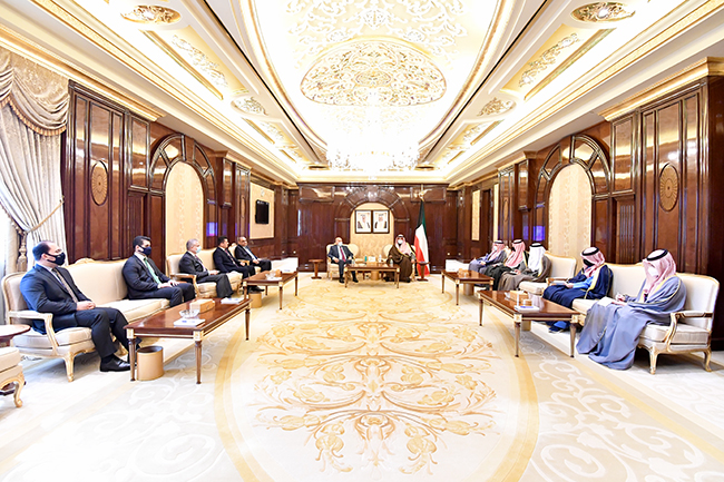 The Iraqi Foreign Minister meets with the Prime Minister of the State of Kuwait Sheikh Sabah Al-Khaled Al-Hamad Al-Sabah 1-26