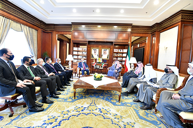 The Iraqi Foreign Minister meets with the Prime Minister of the State of Kuwait Sheikh Sabah Al-Khaled Al-Hamad Al-Sabah 1-27