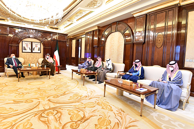The Iraqi Foreign Minister meets with the Prime Minister of the State of Kuwait Sheikh Sabah Al-Khaled Al-Hamad Al-Sabah 3-23