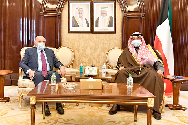 The Iraqi Foreign Minister meets with the Prime Minister of the State of Kuwait Sheikh Sabah Al-Khaled Al-Hamad Al-Sabah 4-18